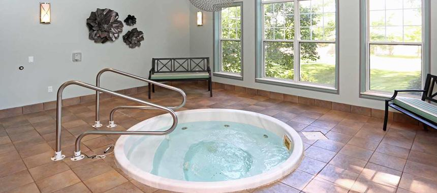 Hot tub/whirlpool